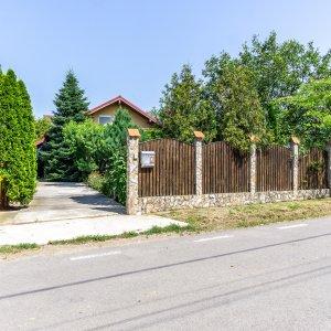 Casa PERFECTA de lemn, toate utilitatile, gradina superba, Branesti - Pasarea