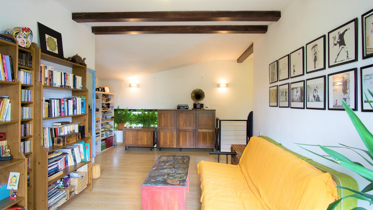 Vila deosebita Bucurestii Noi cu curte generoasa, zona frumoasa si linistita