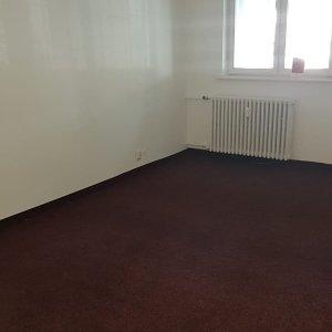 Apartament 2 camere parter - spatiu birou - Romancierilor