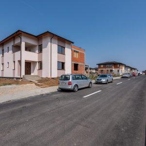 Vila tip duplex P+1+M - zona Chitila