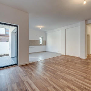 Prelungirea Ghencea- Alunului, Apartament in vila cu gradina ! Comision 0 %