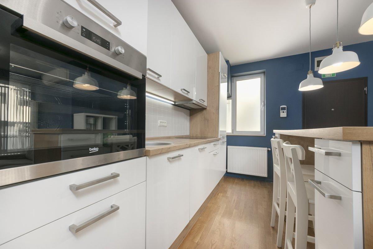 Apartament 3 camere Titulescu Banu Manta Bloc 2011
