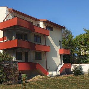 Vila la gri multifamiliala   apartamente   Parc Bazilescu, Bucurestii Noi