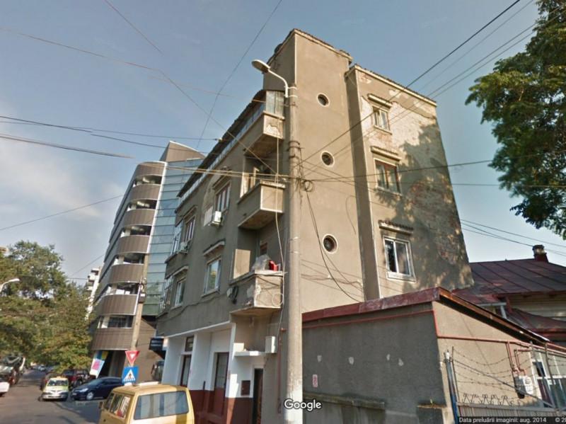 Vanzare apartament 4 camere zona Decebal, Delea Noua