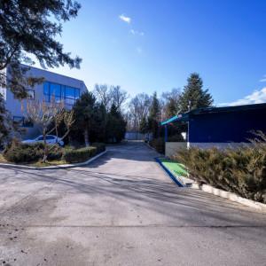 Vanzare hale si birouri Otopeni, intrare din Centura Bucurestiului