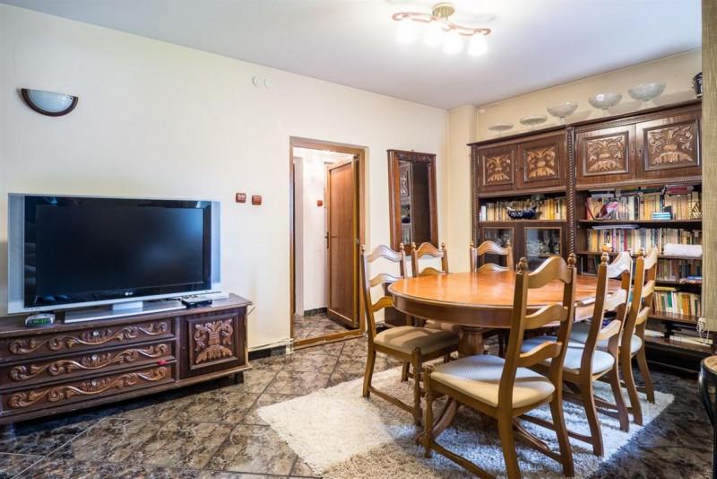 4 camere vila Calea Calarasi si curte ideala pentru masina electrica