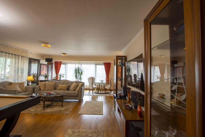 Arcul de Triumf apartament cu 4 camere si parcare dubla