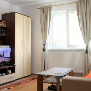 Salaj – Str. Humulesti, apartament 2 camere, gata de mutat, parcare, boxa.