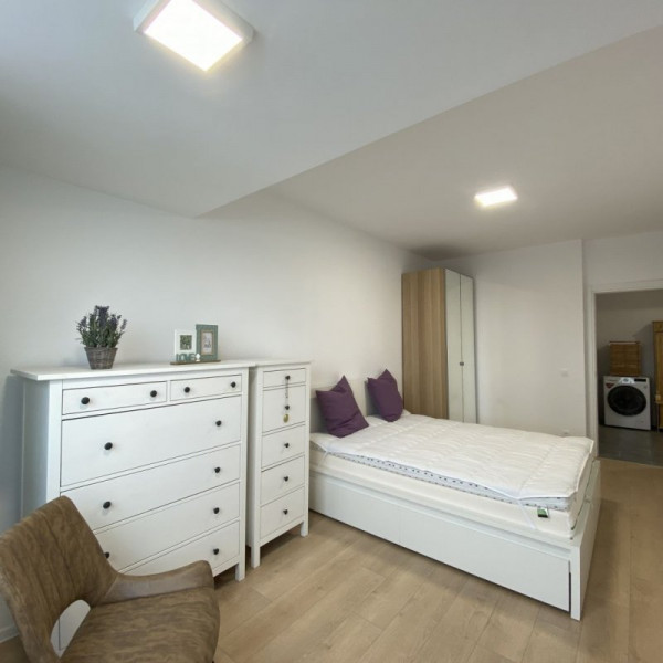 Apartament ATRIA URBAN RESORT, cu parc, parcare si piscina !