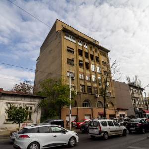 Vanzare Apartament 3 Camere, Eminescu – Teatrul Metropolis, 138 mp, 119.000 euro