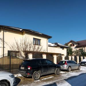 Vila 9 camere Berzei/Berceni, curte generoasa